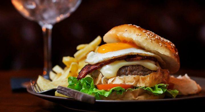 hamburgueres-artesanais-honorato-chegam-ao-porto-1024x559